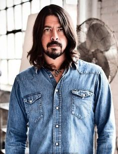 Dave Grohl habla de Foo Fighters y Them Crooked Vultures. Foo Fighters Dave Grohl, Foo Fighters Nirvana, George Harrison, Beatles, Avengers Film, Chris Cornell, Rock Legends, Most Beautiful Man, Beautiful People