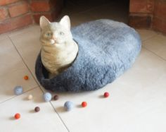 @bluesparkling Cat cave bed house Felted Placemat  Wool oval round Freeform pet dog mat grey ombre monochrome red blue green purple blue brown
