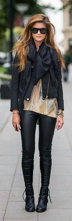 Women's fashion outfit ideas. http://www.rosamellovestidos.com
