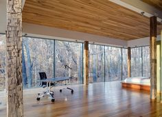 Perfect minimalist bedroom for a nature lover