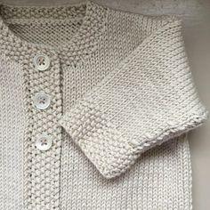 Baby Emily Knitting pattern by Stella Ackroyd – Knitting Patterns Baby Cardigan Knitting Pattern Free, Arm Knitting, Cardigan Pattern, Baby Knitting Patterns, Baby Emily, Cardigan Bebe, Baby Scarf, Universal Yarn, Christmas Knitting Patterns