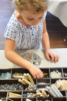 How to make tinker trays for kids for open ended process art - Reggio Inspired. A MUST HAVE FOR EG