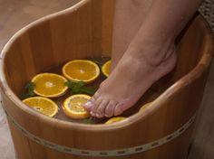 Saiba como fazer um escalda-pés relaxante em casa