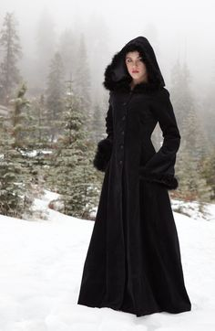 Anastasia Coat - Gothic, romantic, steampunk clothing from The Dark Angel. Just beautiful.