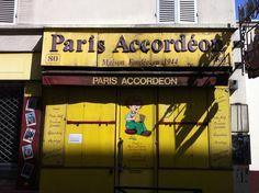 Boutique d'accordéon désormais fermée, rue Daguerre.
