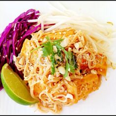 Low Carb Vegetarian Pad Thai with Shirataki 20 calorie gluten free noodles, For everyone requesting no meat dish. Recipe will be posted in comments below - @myhealthydish_- #webstagram