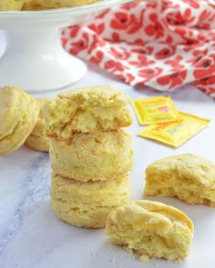 Scones de naranja sin azúcar Krispie Treats, Rice Krispies, Scones, Desserts, Amor, New Recipes, Biscuits, Food Cakes, Walks