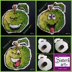 "Calamite ""Mela verde"" ricamate a punto croce (art.1 - 2 - 3), by Sisters Art, in vendita su http://www.misshobby.com/it/negozi/sisters-art"