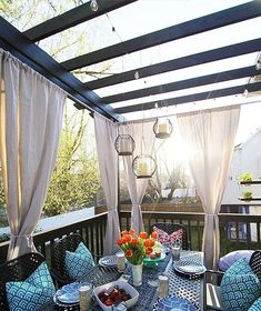 Amazing 39 Cool Ideas About Deck Decorating http://homiku.com/index.php/2018/04/21/39-cool-ideas-about-deck-decorating/