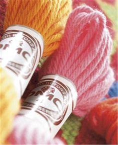 Le coton RETORS MAT DMC est un fil 100% coton mat conçu pour la tapisserie sur canevas.Lors de sa fabrication il est peigné et gazé afin qu'il ne peluche pas. Ce fil traditionnel mat et souple se...