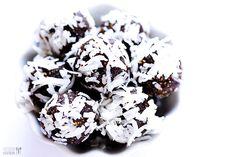 Gimme Some Oven | Almond Joy Energy Bites | http://www.gimmesomeoven.com
