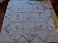 Looking for quilting project inspiration? Check out Vintage Hankie Quilt by member Sewingsmylife. Vintage Textiles, Vintage Quilts, Vintage Sewing, Vintage Linen, Quilting Projects, Quilting Designs, Sewing Projects, Handkerchief Crafts, Applique Stitches