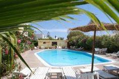 A quelques pas de la plage, et quelques minutes de la médina d'Essaouira, Le Riad Zahra propose 23 chambres à tous ses occupants. Riad Essaouira, Riad Marrakech, Le Riad, Excursion, The Good Place, Country, Nice, Outdoor Decor, Home Decor
