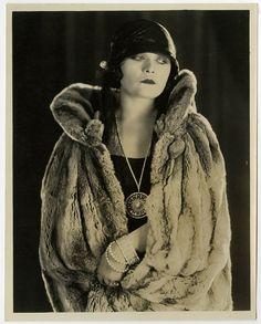 Vintage 1920s Pola Negri Silent Film Flapper Sultry Vamp E.R. RIchee Photograph