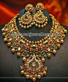Jewelry Set Kundan Necklace with Earrings - Jewellery Designs Indian Wedding Jewelry, Bridal Jewelry, India Jewelry, Jewelry Sets, Jewelry Holder, Jewelry Making, Gold Jewellery Design, Gold Jewelry, Handmade Jewellery