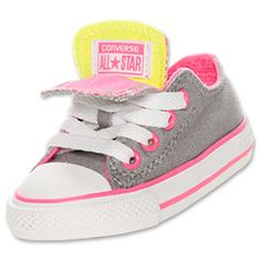 Trendy kids everywhere can show their effortless style in the Converse Chuck Taylor Ox Double Tongue Kids' Shoes. These shoes offer a funky twist on the original Chuck Taylor All Stars and are sure to please creative kids with a flair for the dramatic.