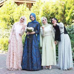 I love the pink ones! Bridal Hijab, Hijab Wedding Dresses, Disney Wedding Dresses, Hijab Bride, Beautiful Muslim Women, Beautiful Hijab, Muslim Fashion, Hijab Fashion, Fashion Muslimah