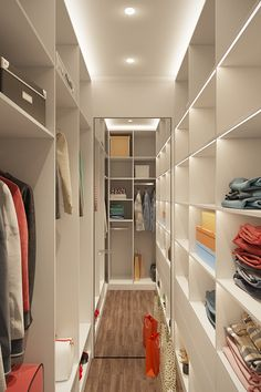 15 best small dressing room design ideas you are looking for page 6 Small Dressing Rooms, Dressing Room Closet, Dressing Room Design, Wardrobe Room, Wardrobe Design Bedroom, Master Bedroom Closet, Walk In Closet Small, Walk In Closet Design, Closet Renovation