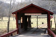 Google Image Result for http://log-homes.thefuntimesguide.com/images/blogs/rust-colored-wooden-covered-bridge.jpg