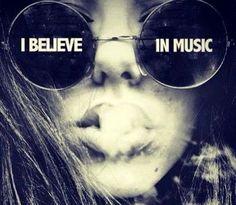 i believe in music#fumarfree#vapear#escucharbuenamusica#vaporite#vaplifestyle