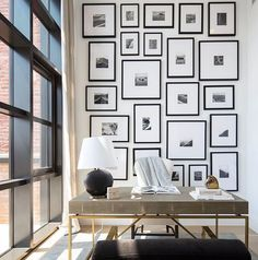 BRIGHT STUDIO: This is stunning studio room with this beautiful gallery wall. A new week has started and all of us must be back on track,… Home Office Space, Home Office Design, Home Office Decor, House Design, Photowall Ideas, Minimalist Office, Studio Room, Loft Spaces, Room Wall Decor