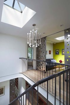 Note Feature pocket doors on roller wprospect-heights-townhouse-etelamaki-architecture-14-1-kindesign