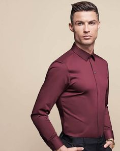 "Cristiano poses for the Chinese brand ""Seven Brand"" Cristiano Ronaldo Cr7, Cristino Ronaldo, Cristiano Ronaldo Wallpapers, Ronaldo Football, Ronaldo Juventus, Cr7 Jr, Smart Men, Football Players, Poses"