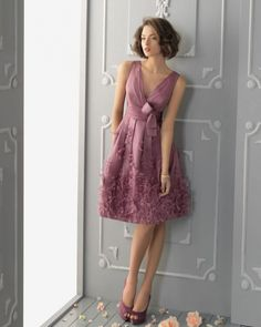 Join the party with the best party dresses express,goddiva party dresses and party dress styles and pay attention to elegant appliques beaded sequins mini style v neck party dresses sash sleeveless formal gowns provided by braw_wedding. Cute Dresses, Beautiful Dresses, Short Dresses, A Line Evening Dress, Evening Dresses, Bridesmaid Dresses, Prom Dresses, Bridesmaid Color, Dresses 2014