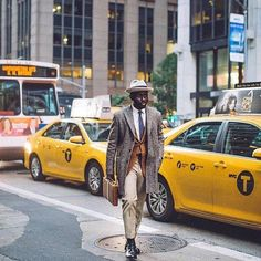 SPOTTED// Steven Onoja in the street of New York with a CREMIEUX blazer! Not sure he will run the Marathon dressed like this!