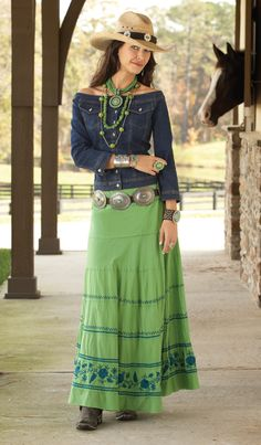 ❤ Cowgirl Country Fashion a deviation from turquoise. Estilo Cowgirl, Estilo Hippie, Cowgirl Chic, Western Chic, Cowgirl Style, Country Dresses, Country Outfits, Western Outfits, Cowgirl Outfits For Women