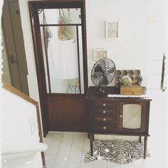 일본 인테리어 : 빈티지 트렁크와 소품이 가득한 일본 블로거의 집. 현관 내가 정말 좋아하는 마름모꼴의 ...