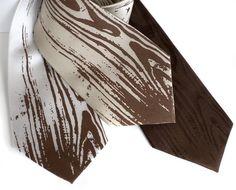 Woodgrain men's silk necktie. Faux bois, screen printed tie.