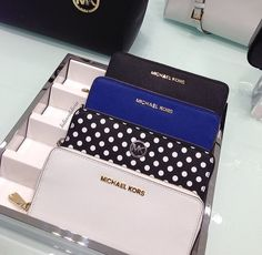 I am dying to get a Michael Kors wallet! Just gotta wait for the ones that I want to go on sale somewhere!