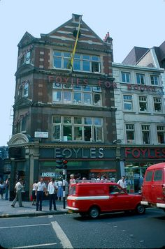 Foyles, Charing Cross Road, London in 1976 by Affendaddy, via Flickr. Used to spend many happy hours book browsing here