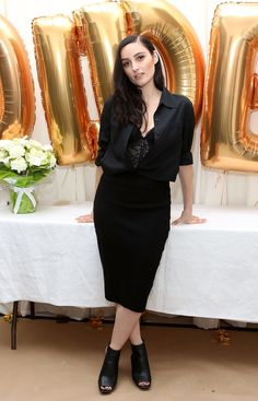Welcome to the Jillian Banks zine, with news, pictures, articles, and more. Banks Singer, Mode Inspiration, American Singers, Peplum Dress, Formal Dresses, Chic, People, Zine, Articles