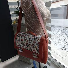 @scrapmaniaque sur Instagram: Le cartable #quadrille taille L cousu pour ma fille... Toutes les fournitures ont été achetées chez @lamerceriedescreateurs et le patron…