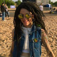 Dreadlock Rasta, Dreadlocks, Rasta Man, Reggae Style, Dreads Girl, Ap Art, Round Sunglasses, Hair Makeup, Hair Styles