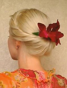 Minus the big ugly flower. Replace with a swarovski crystal comb and veil.