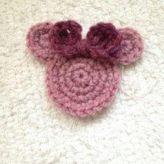 How to crochet Minnie Mouse appliqué via @Guidecentral - Visit www.guidecentr.al for more #DIY #tutorials ❥Teresa Restegui http://www.pinterest.com/teretegui/ ❥