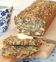 kesolimpautanmjöl9 Bread Recipes, Real Food Recipes, Lchf, Keto, Bread Baking, Yummy Treats, Diabetes, Banana Bread, Food And Drink