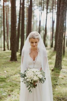 This Norwegian bride's favorite thing about her simply elegant wedding was er Jenny Packham wedding dress| Image by Wide in Wonder
