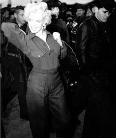 Marilyn in Korea, 1954.