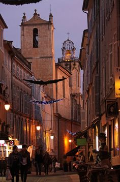 St John de Malte, rue Espiriate, Aix-en-Provence https://girlsguidetoparis.com/provence-in-september/