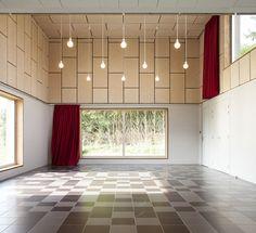 Rural community hall: BOIDOT & ROBIN ARCHITECTS