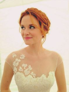 April Kepner's Wedding Hair Grey's Anatomy-Rustic Wedding- Prime Time TV Weddings - KnotsVilla