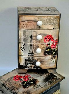 Billedresultat for decoupage Decoupage Furniture, Decoupage Box, Decoupage Vintage, Upcycled Furniture, Painted Furniture, Shabby Vintage, Wooden Jewelry Boxes, Jewellery Boxes, Altered Boxes