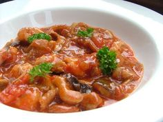 Chicken-Cacciatore-Recipe- I used 2 cans if italian recipe stewed tomatoes and 1 can of diced rosemary & oregano tomoates instead of paste and OMG it is sooooooo good!