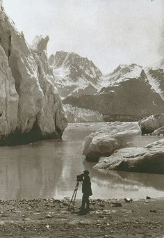 The late-19th century photograph The eastern part of Muir Glacier