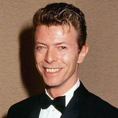 ❤️ #davidbowie #bowie #BowieForever #DavidBowieForever #starman #ziggystardust #davidrobertjones #rock#glamrock #bowie #70 #80 #90 #tuesday #heroes #blackstar #concert #BowieForever #stage #blackstar #wonderfull #hours #people #tinmachine #happyday #music #thebest #happyday #beautiful #amazingpeople #genius #star #beautifulbowie