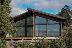 1.vapaa-ajantalo_helsinki Prefab Cottages, Tiny House, Small Houses, Getaway Cabins, Helsinki, Log Homes, House Design, Modern, Woods
